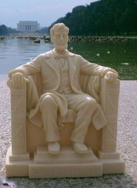 Lincolnstatue2