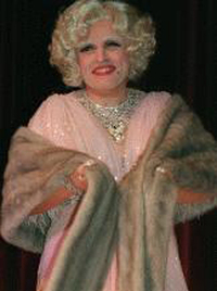 Giuliani_in_drag